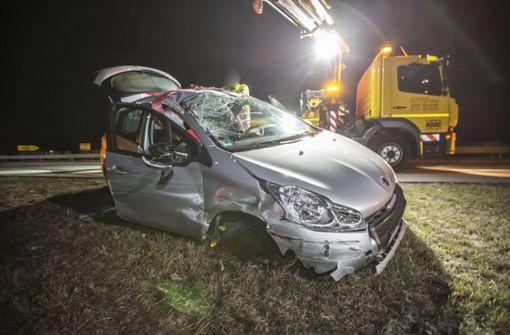 23-Jähriger weicht Hase aus und überschlägt sich mit Auto
