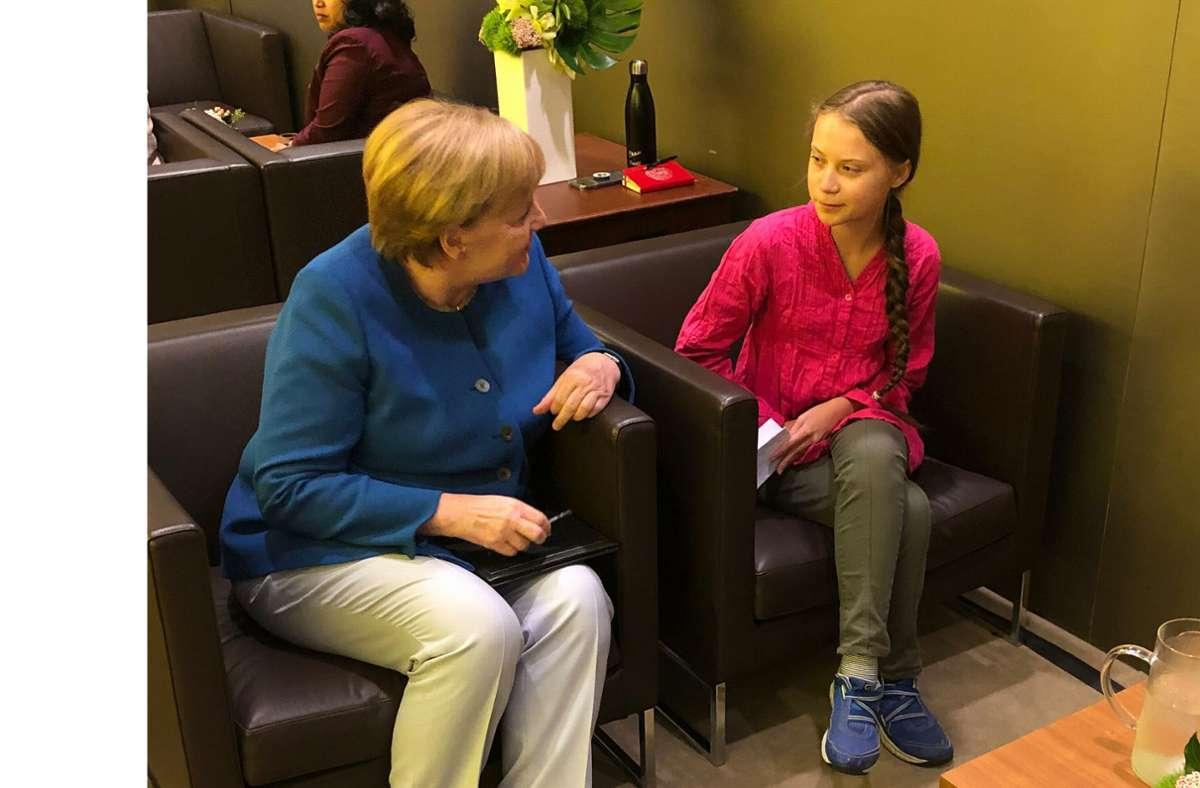 Angela Merkel und Greta Thunberg unterhalten sich am Rande des UN-Klimagipfels im vergangenen September. Foto: dpa