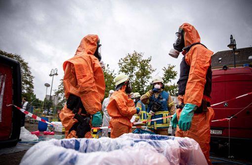 Übung: 150 Einsatzkräfte stoppen Bio-Terroristen