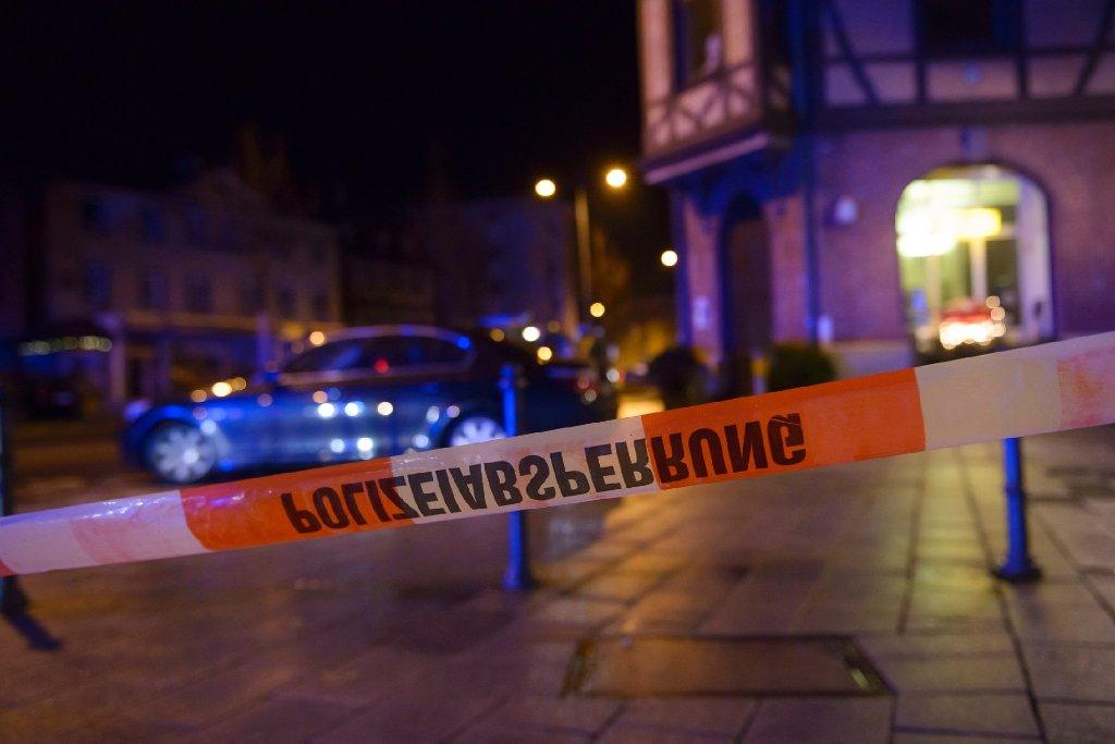 Kurz vor Weihnachten eskaliert in der Nacht zum Samstag in Esslingen ein Streit unter zwei Rockerbanden. Die Angreifer locken ihre Opfer in eine Falle. Ein 22-Jähriger stirbt. Jetzt sitzen sieben Verdächtige in U-Haft. Foto: www.7aktuell.de/Eyb