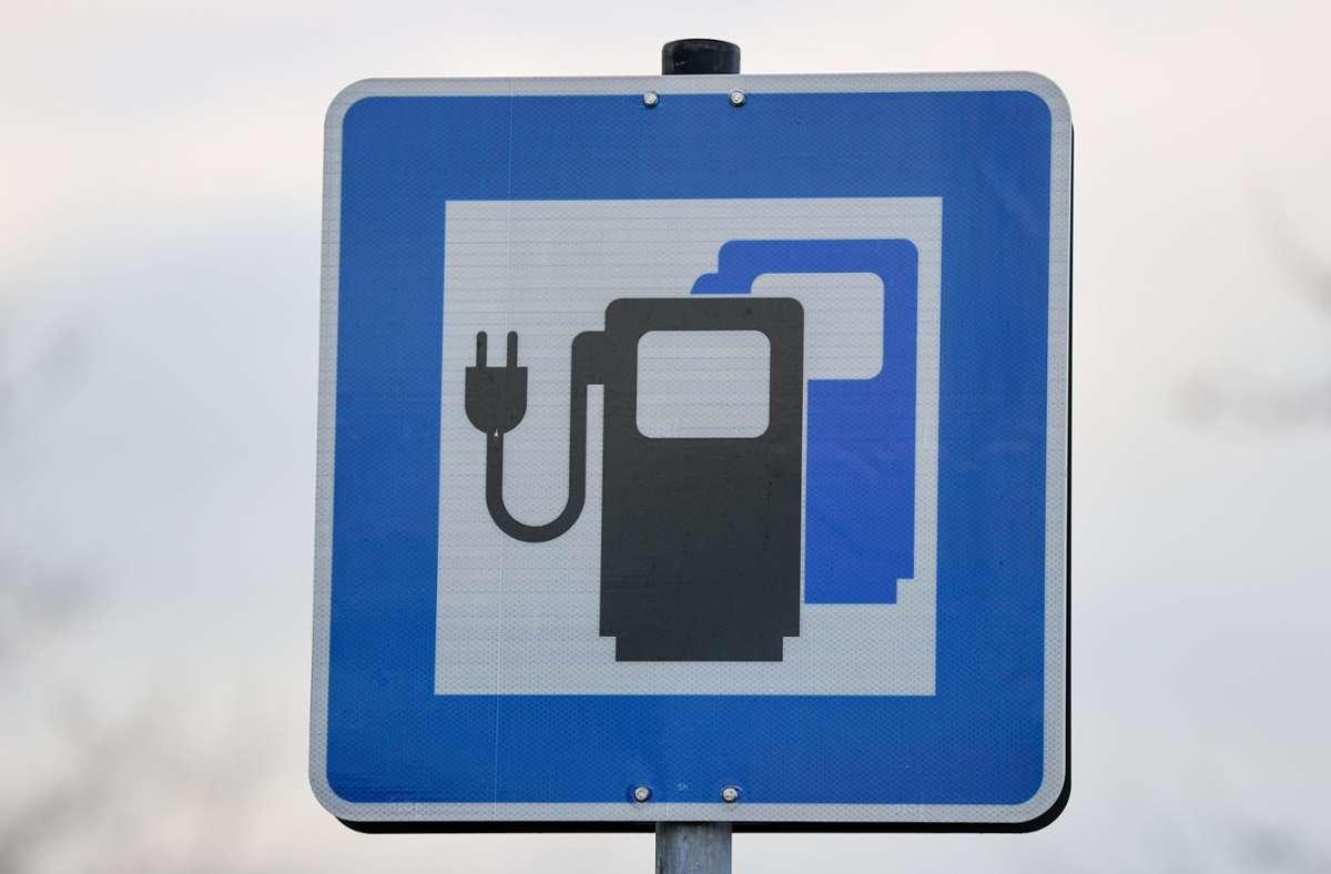 Die deutsche Autoindustrie forciert die E-Mobilität. Der Staat will ihr dabei helfen. Foto: dpa/Jan Woitas