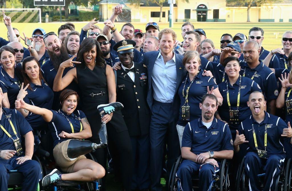"""Prinz Harry und US-First Lady Michelle Obama bei der Eröffnung der """"Invictus Games"""". Foto: Getty Images Europe"""