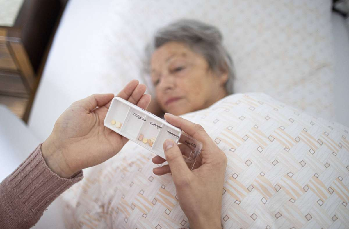 Informationen zur Pflege gibt es am 5. Oktober in Herrenberg. Foto: imago images/photothek/Ute Grabowsky