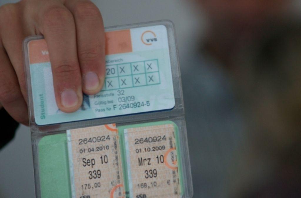 Ein Vorziehen der Fahrtberechtigung auf 17 Uhr würde laut VVS dazu führen, dass der Solidarbeitrag zum Studi-Ticket für alle Studierenden der beteiligten 19 Hochschulen erhöht werden müsste. Foto: Sägesser