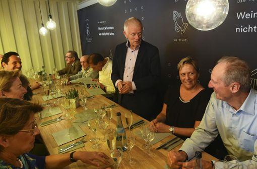 Die OB-Einladung aufs Weindorf versäumt keiner