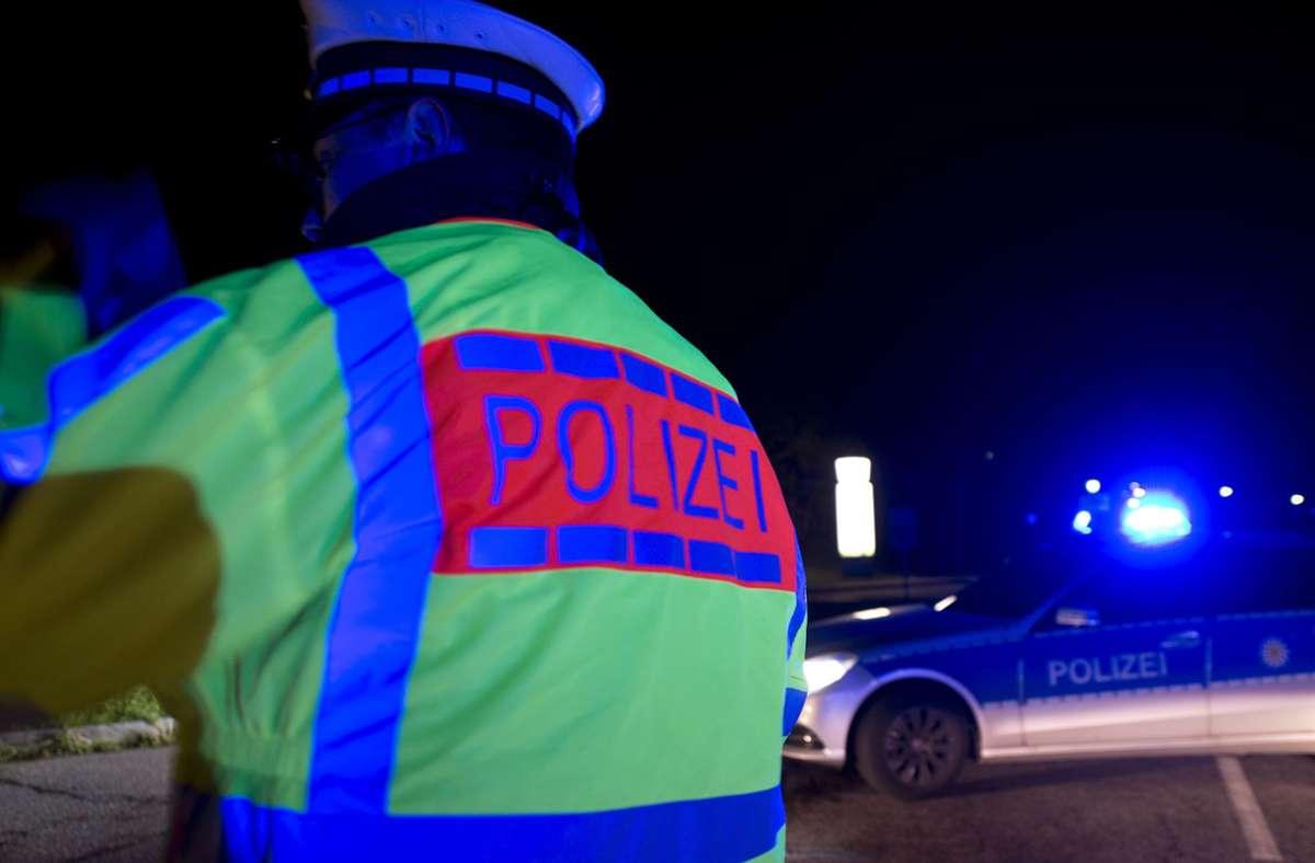 Die Polizei bittet um Zeugenhinweise zu dem Vorfall (Symbolbild). Foto: dpa/Patrick Seeger