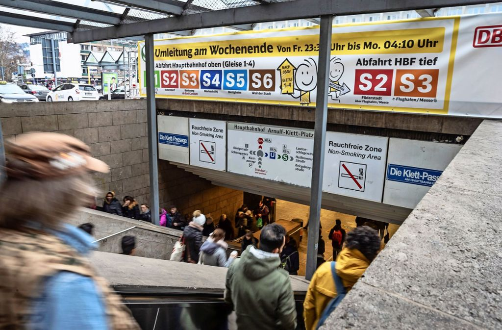 Die S-Bahnumleitung Anfang des Jahres mutete den Fahrgästen lange Wege im Hauptbahnhof zu. Foto: Lichtgut/Julian Rettig