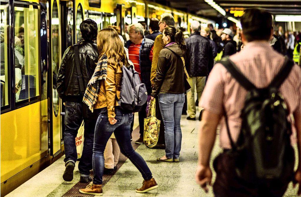 Die Stadtbahnen müssen künftig deutlich mehr Fahrgäste befördern. Foto: Lichtgut/Leif Piechowski