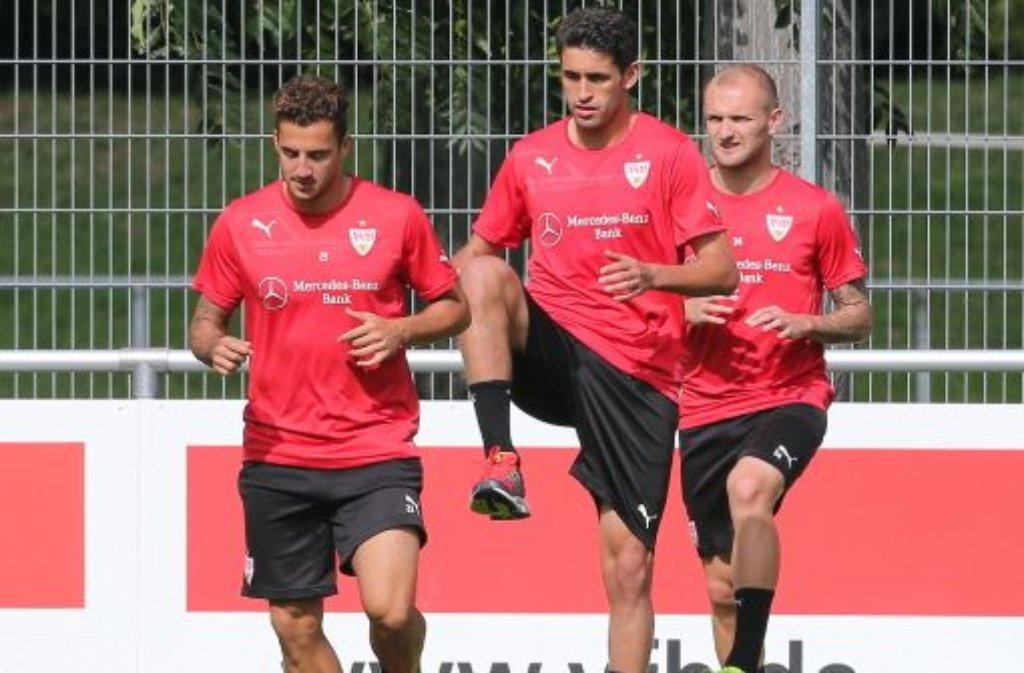 Sercan Sararer (links) und Konstantin Rausch (rechts) kicken künftig beim VfB Stuttgart II.  Foto: Pressefoto Baumann