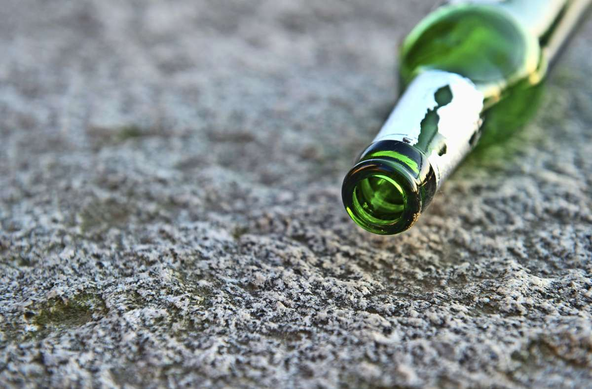 Viel Alkohol war am Wochenende bei den Feiern auf dem Akademiehof im Spiel. Foto: picture alliance/dpa/Tobias Kleinschmidt