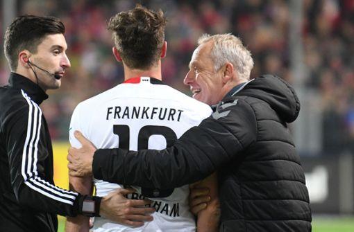 Christian Streich scherzt – DFB stellt Strafanträge