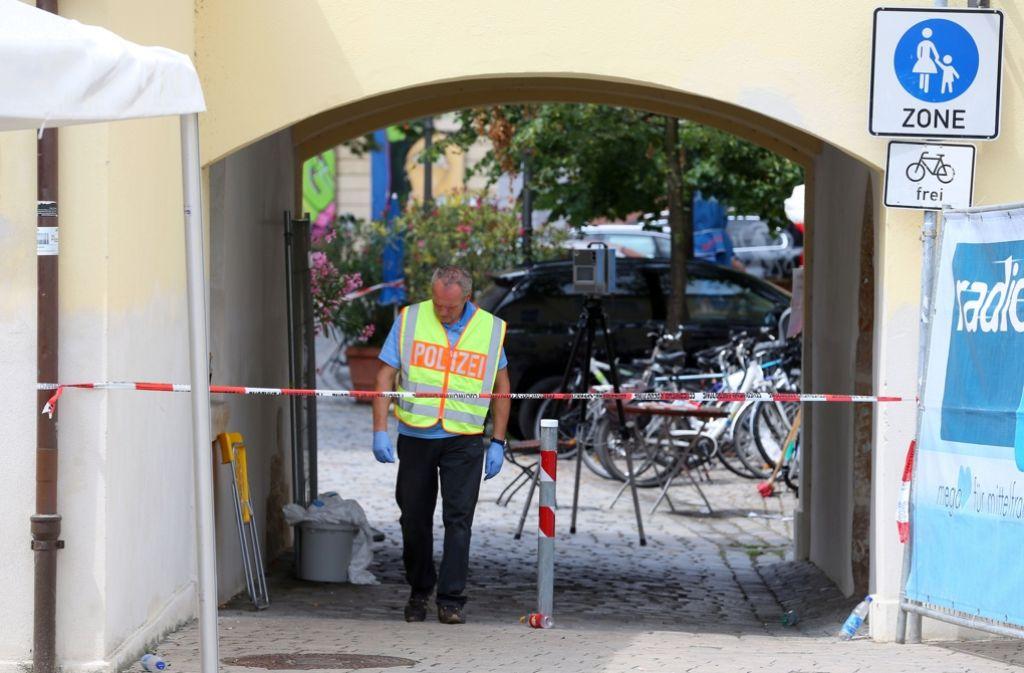 """Die Terrormiliz """"Islamischer Staat"""" behauptet, der Selbstmordattentäter von Ansbach sei schon lange Mitglied der Organisation gewesen. Foto: dpa"""