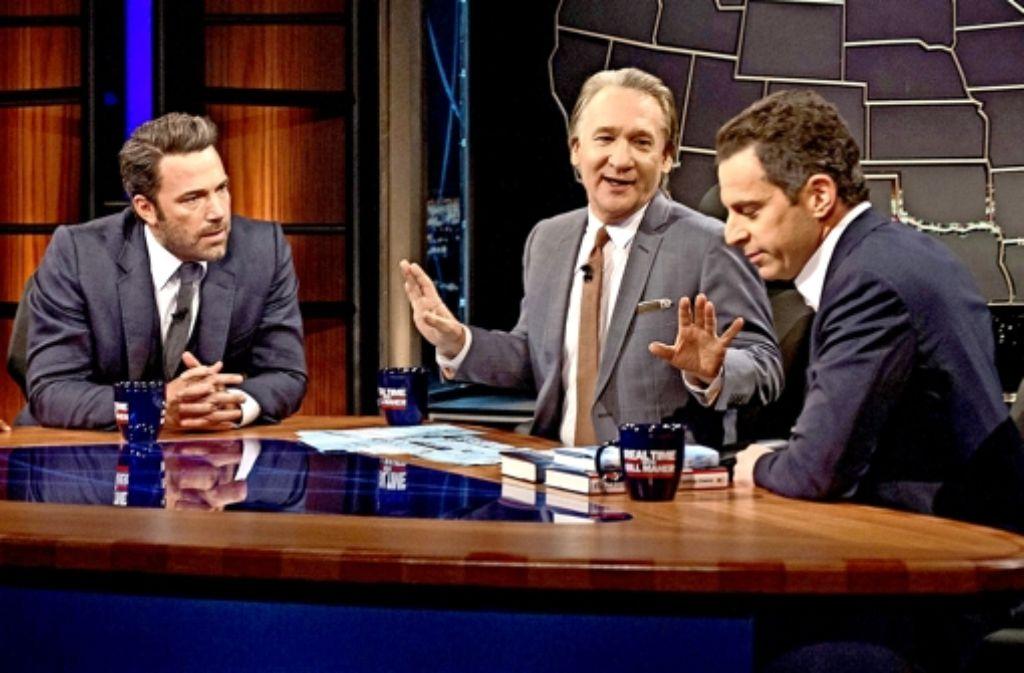 Ben Affleck (links neben dem Talkmaster Bill Maher  und dem Autor Sam Harris)  nimmt kein Blatt vor den Mund. Foto: AP