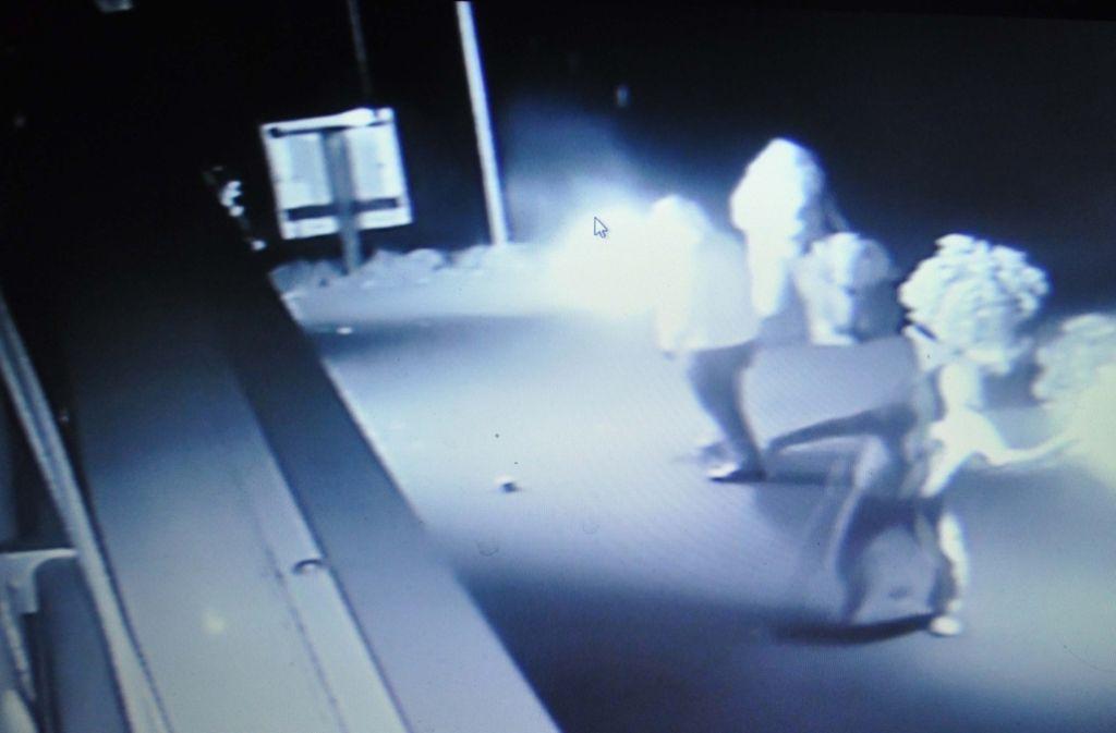 Drei Männer schleudern Brandsätze in Feuerbach: War der Angeklagte dabei? Foto: dpa