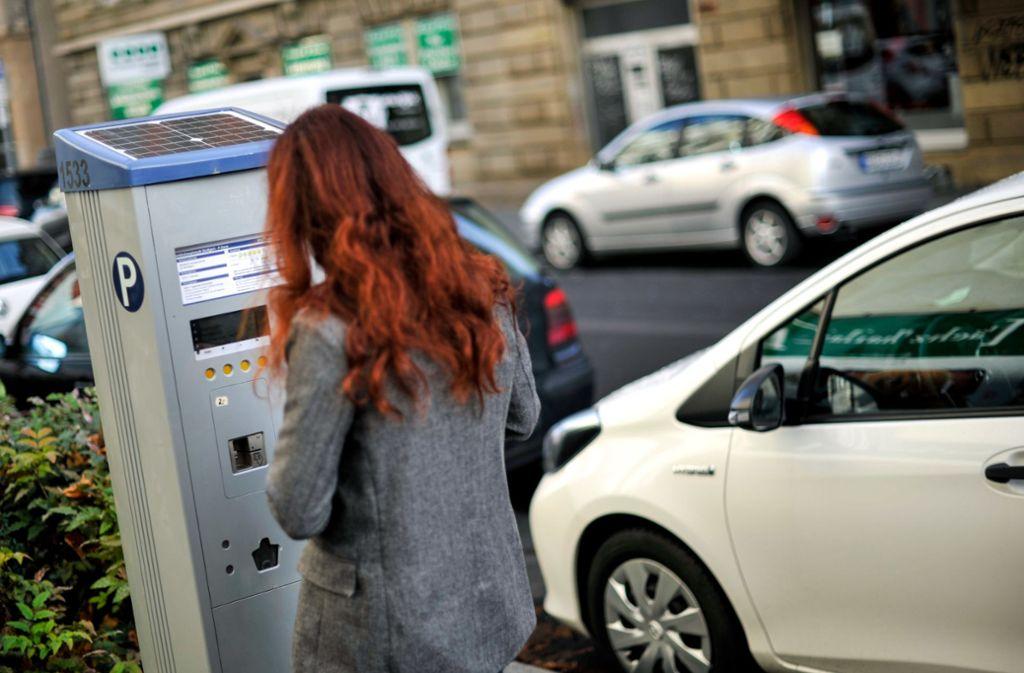 An den Parkscheinautomaten müssen die Autofahrer von Juli 2020 an  mehr bezahlen. Die Geräte werden umgerüstet. Foto: Lichtgut/Max Kovalenko