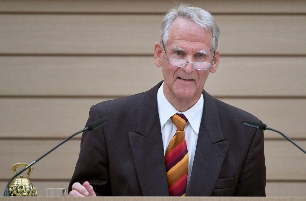 Landtagsalterspräsident Heinrich Kuhn (AfD)  während der konstituierenden Sitzung des baden-württembergischen Landtags am 11. Mai im Plenarsaal Foto: dpa
