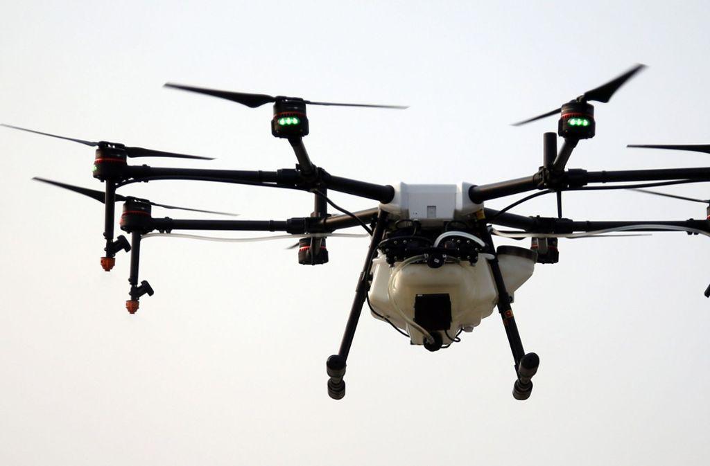 Mit einer Drohne war der Tourist über das Parlamentsgebäude geflogen war (Symbolfoto). Foto: AP