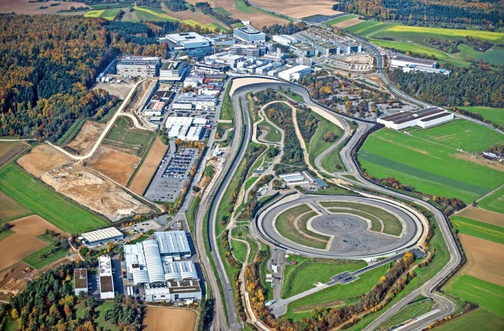 6500 Menschen arbeiten hier bei Porsche in Weissach. Foto: Holger Leicht