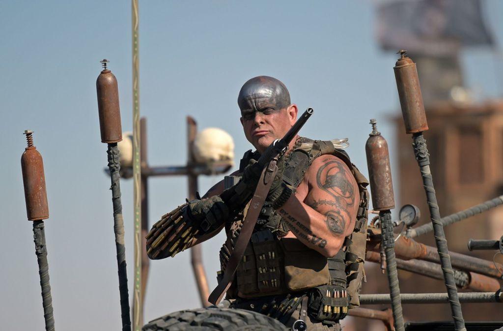 """Die Teilnehmer des """"Wasteland Weekend"""" in Kalifornien müssen Kostüme tragen. Meist sind die Outfits im """"Mad Max""""-Look selbst gebastelt. Foto: AFP/Augustin Paullier"""