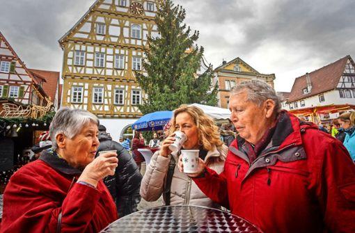 Nikolausmarkt: Glühwein nur aus Pappbechern