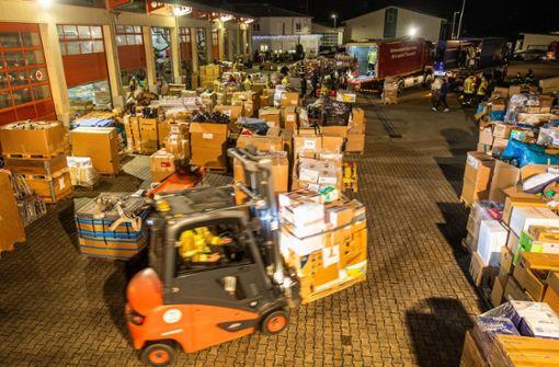 Hilfskonvoi aus Baden-Württemberg wird  mit Applaus empfangen
