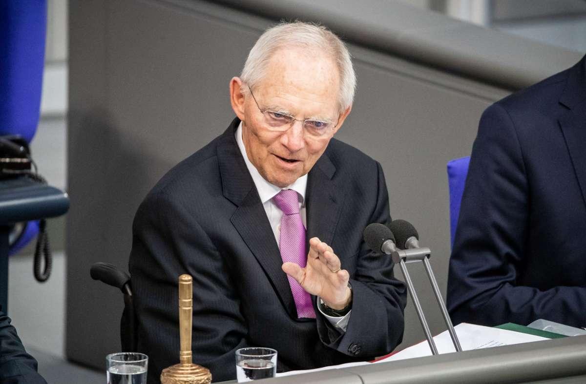 Bundestagspräsident Wolfgang Schäuble mahnt zur Einigung in der Wahlrechtsreform. Foto: dpa/Michael Kappeler