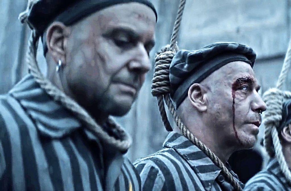 Die umstrittene Szene aus dem neuen Video Foto: Rammstein/Youtube