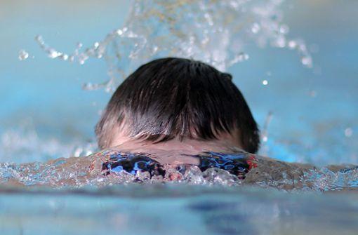 Stadt will marodes Schwimmbecken sanieren
