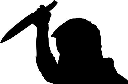 Mann in Höfingen  mit Messer  bedroht