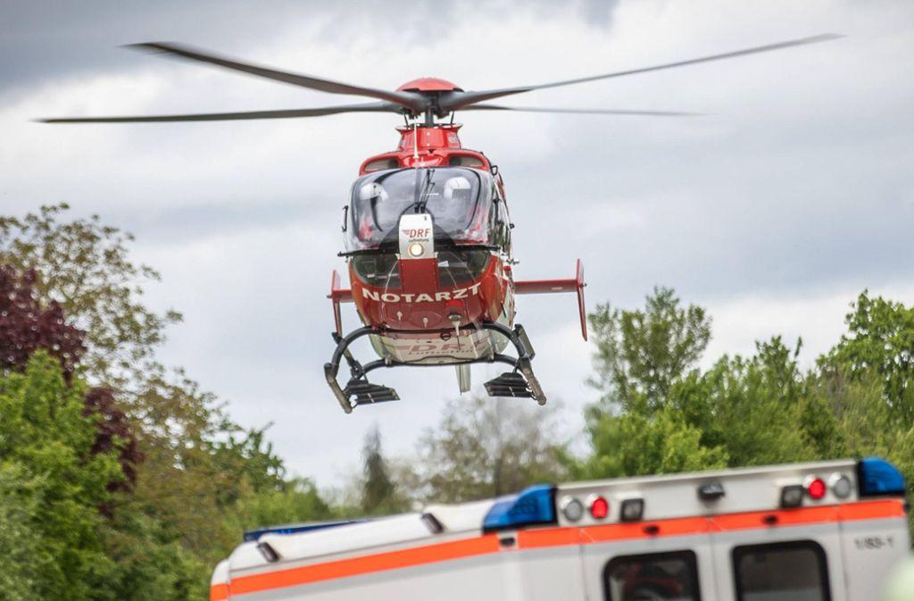 Ein Schwerverletzter  wird am Samstag nach einem Unfall in Rudersberg in eine  Klinik geflogen (Symbolbild) Foto: 7aktuell.de/Simon Adomat