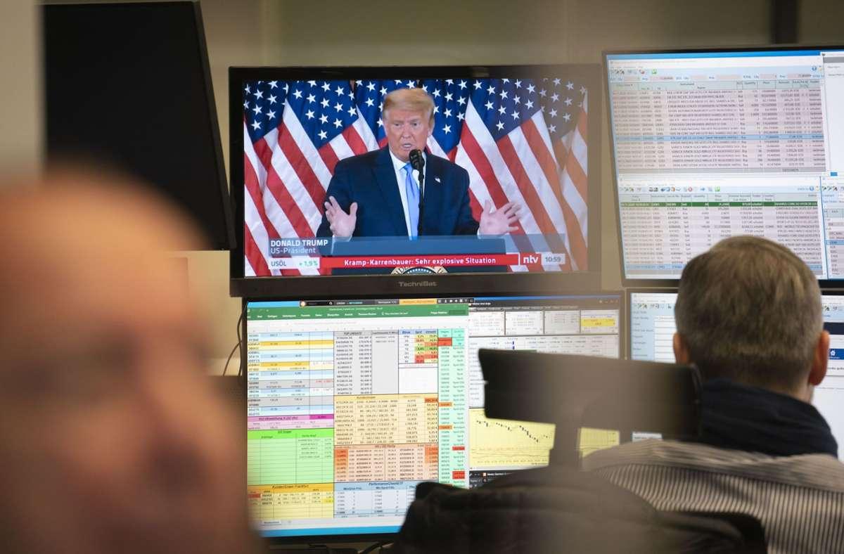 Auch an der Börse wurde die Wahl aufmerksam verfolgt. Foto: dpa/Frank Rumpenhorst