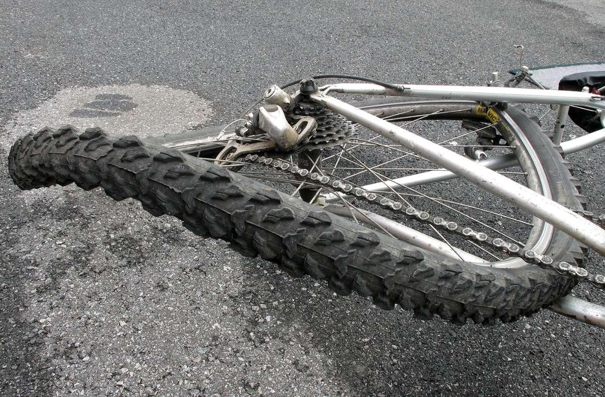 War es ein Fahrradunfall oder doch eine Gewalttat? (Symbolbild) Foto: Adobe Stock/Konstanze Gruber