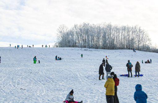 Winterfreunde zieht es zur Schneeballschlacht auf die Alb