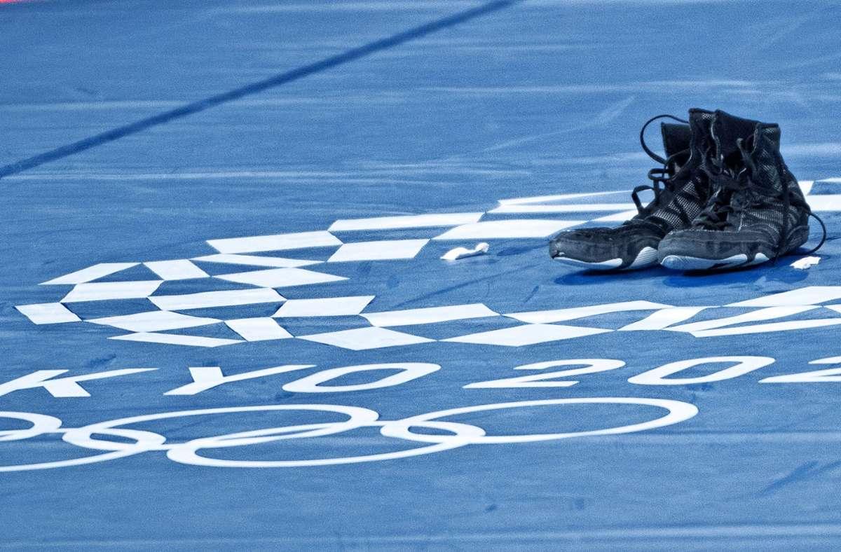 Die Schuhe von Frank Stäbler – nach Bronze ließ sie der Ringer auf der Matte stehen. Foto: imago//nrico Calderoni