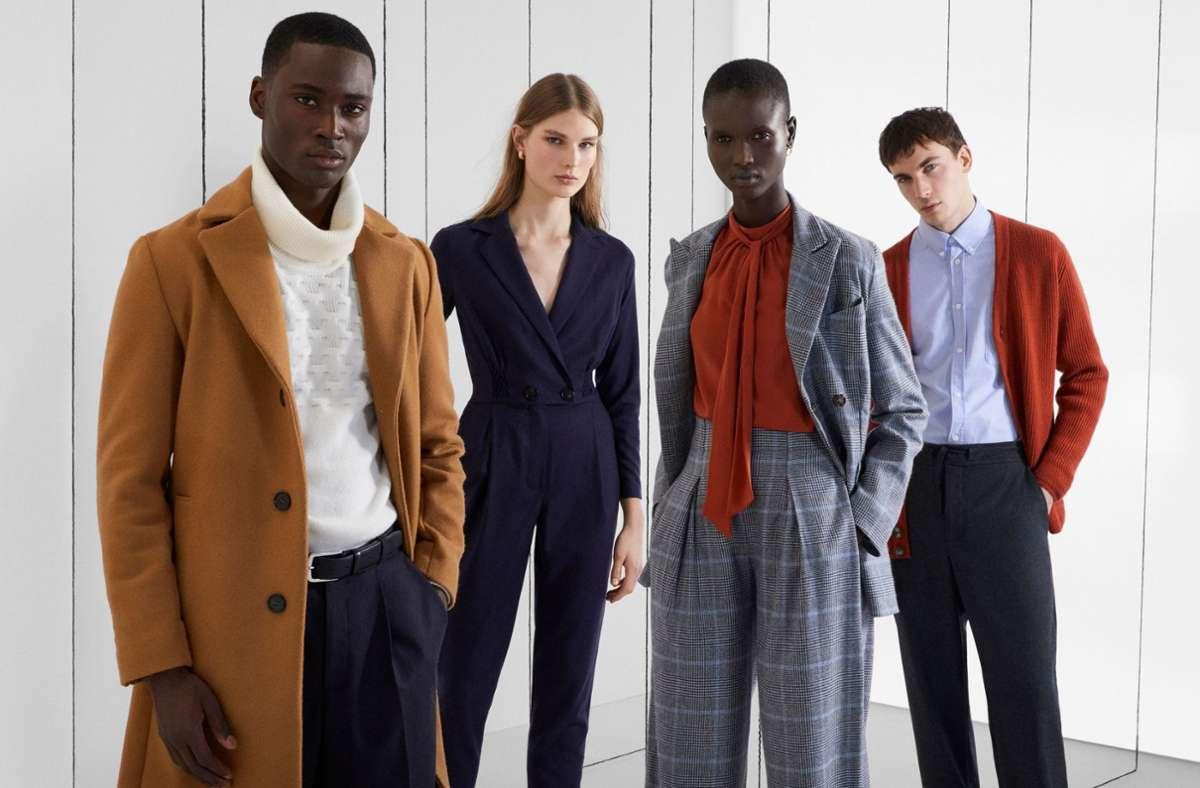 """Nachhaltigkeit ist im Trend. Im vergangenen Jahr hat auch Prinz Charles eine nachhaltige Modelinie präsentiert. Die  Models zeigen Kreationen der Bekleidungskollektion vom """"Modern Artisan""""-Projekt, die die Wohltätigkeitsorganisation des Prinzen von Wales mit dem globalen Online-Modehändler Yoox Net-A-Porter lanciert haben. Foto: The Prince's Foundation/PA Media/dpa"""