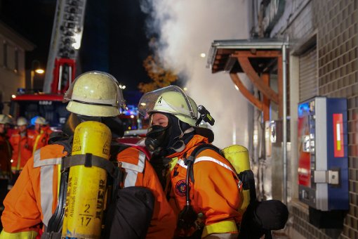 Gasthaus bei Flüchtlingsheim brennt