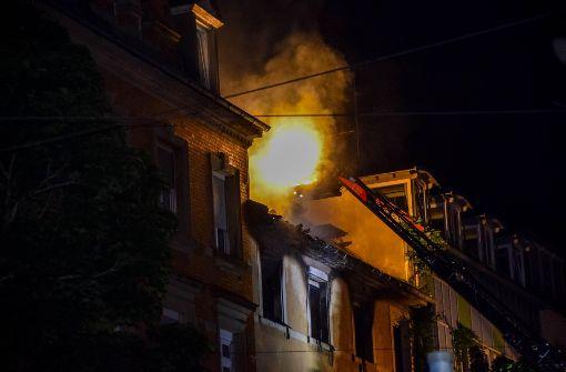 Wohnung brennt komplett aus – zwei Verletzte