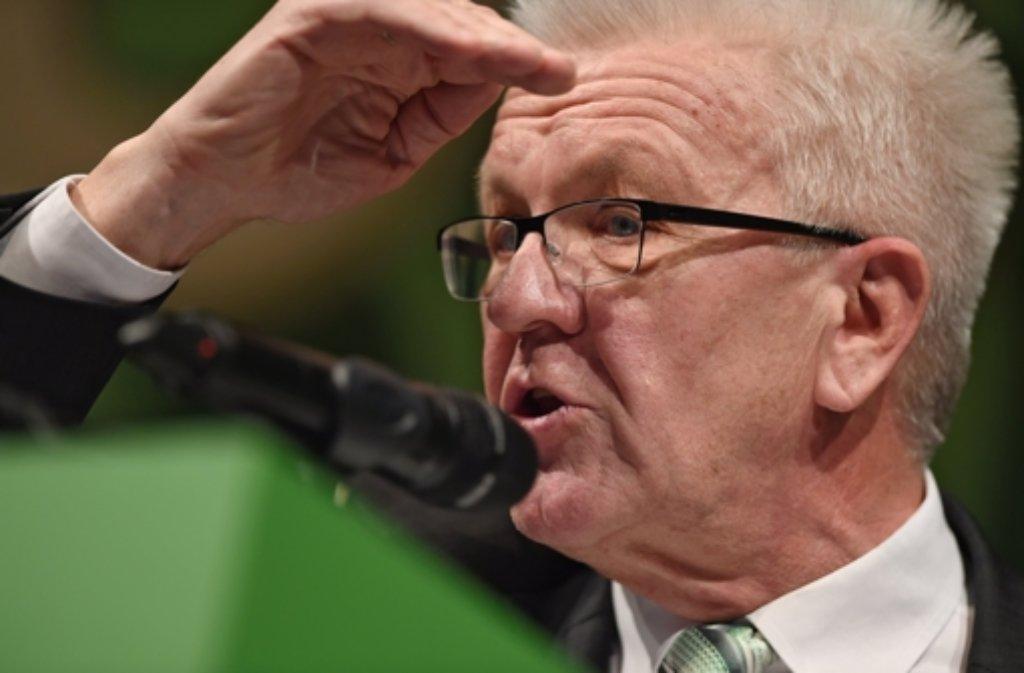 In der ARD-Sendung Monitor versuchte Winfried Kretschmann, den Suggestiv-Fragen eines Journalisten auszuweichen. Foto: dpa