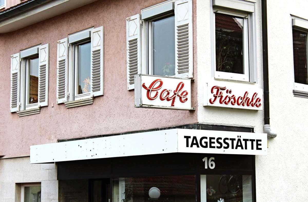 Die Räumlichkeiten an der Alten Dorfstraße in Birkach sind zu klein geworden. Im März zieht das Café Fröschle nach Sillenbuch. Foto: Jacqueline Fritsch
