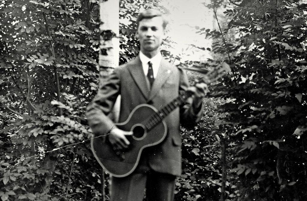 Eugen Brust mit Gitarre. Im Juni 1940 wurde er in der Tötungsanstalt Grafeneck umgebracht. Foto: privat/Stadtarchiv Bietigheim-Bissingen