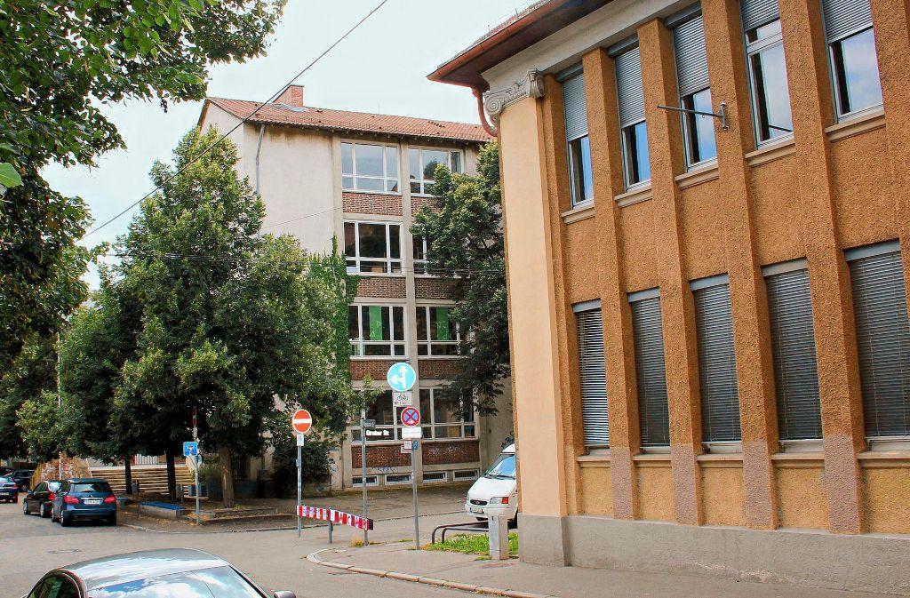 Zwei Lehranstalten  schließen sich zusammen: Ab dem kommenden Schuljahr gibt es nur noch ein großes Gymnasium in Feuerbach. Foto: Torsten Ströbele (Archiv)