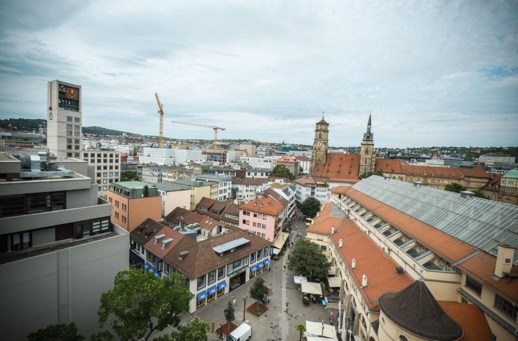 Der Blick vom siebten Stock des Dorotheen-Quartiers auf die Stiftskirche Foto: Lichtgut/Leif Piechowski