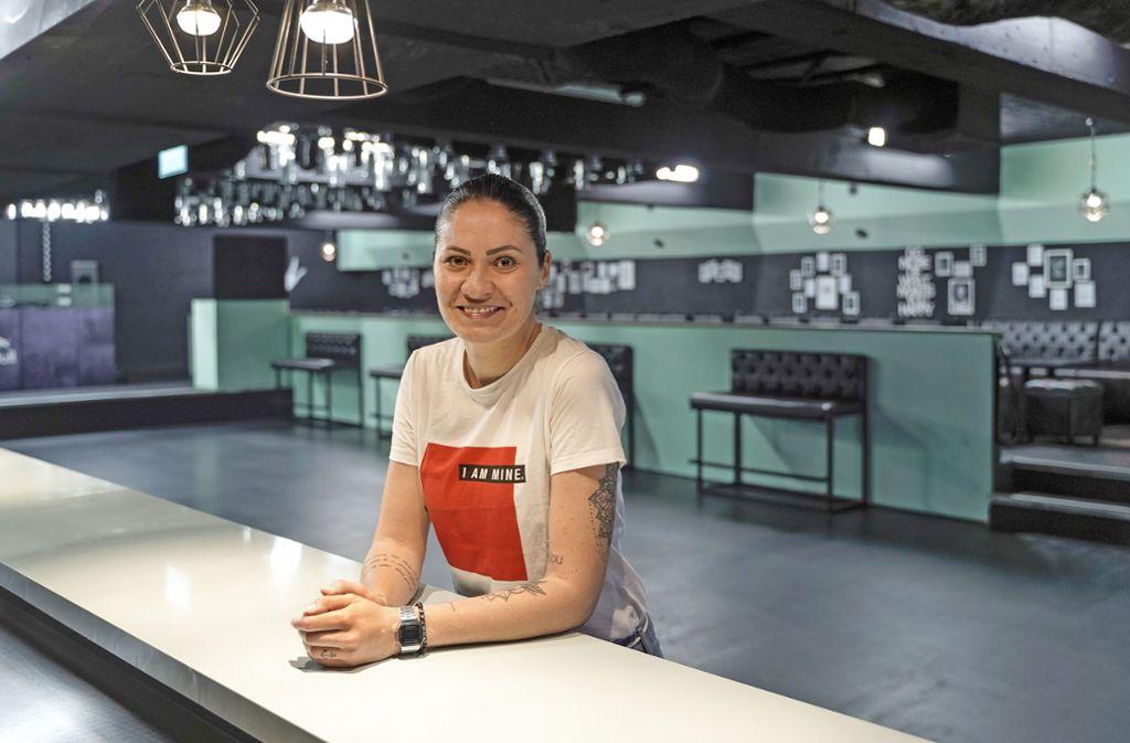 Alles neu: Ivana Häcker im Seaside Club an der Bar – tagsüber Foto: factum/Bach (2), Ivana Häcker (2)