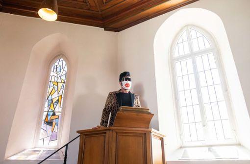 Kirchenfenster gestaltet – Betrachter sollen sich göttlich fühlen