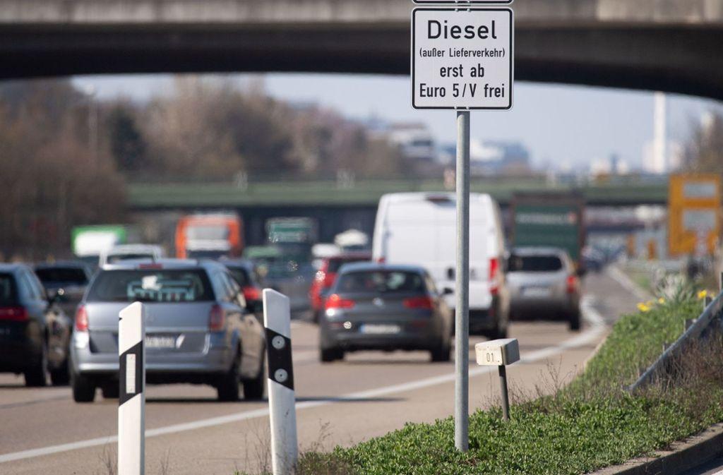 In Stuttgart dürfen nur Diesel ab Euronorm fünf fahren. Foto: dpa