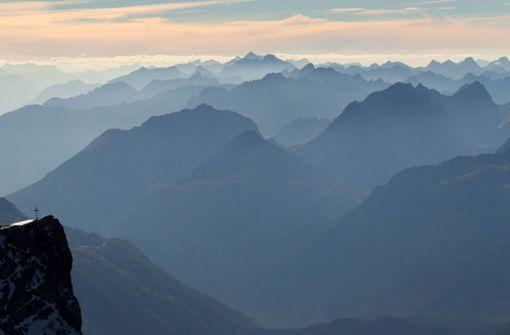 Drei Deutsche stürzen in den Alpen in den Tod