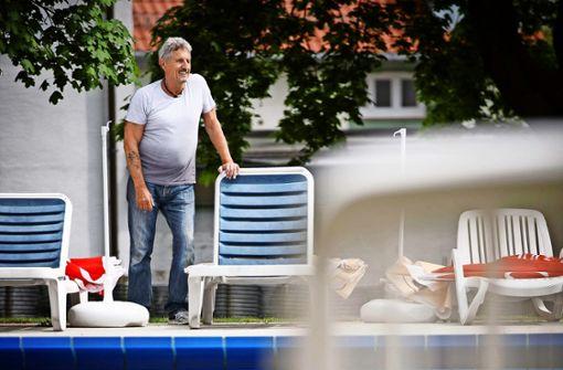 Ein Ex-Bierbrauer am Beckenrand