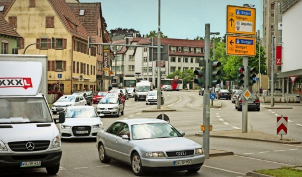 Täglich fahren rund 40000 Autos über den Reinhold-Schick-Platz Foto: factum/Granville