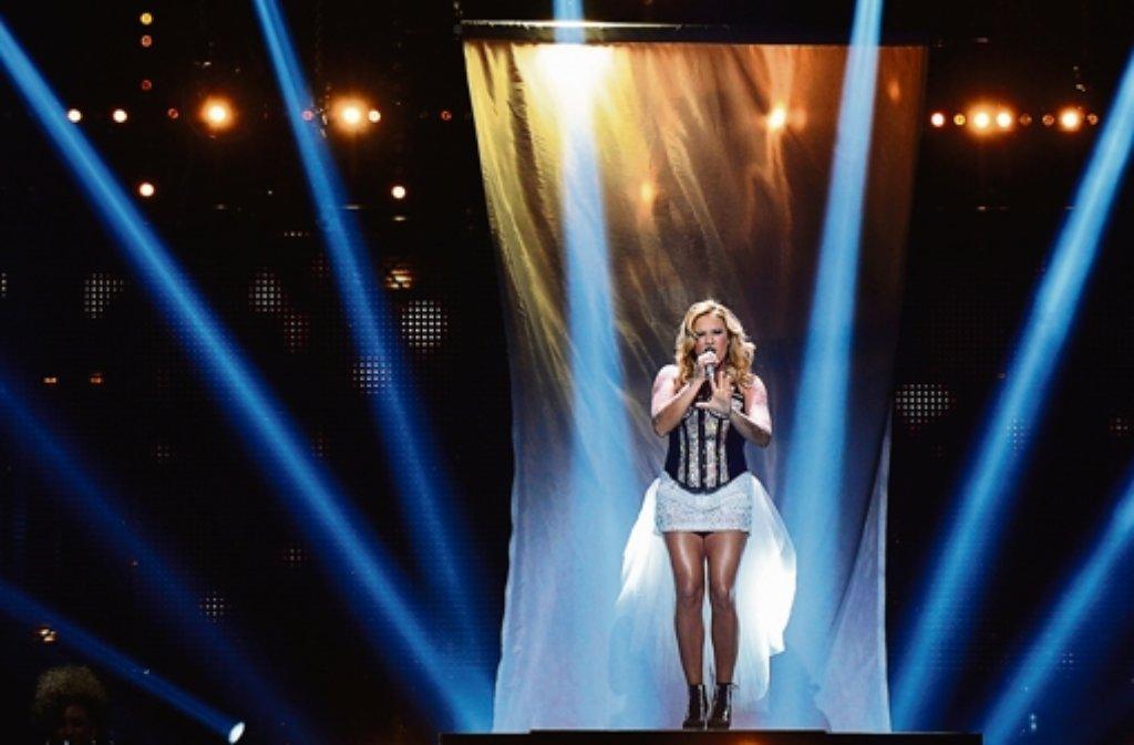 """Mit ihrem Lied """"Glorious"""" hat sich Cascada gegen elf Konkurrenten durch Mit ihrem Lied """"Glorious"""" hat sich Cascada gegen elf Konkurrenten durchMit ihrem Song """"Glorious"""" hat sich Cascada gegen die Konkurrenten durchgesetzt. Foto: dpa"""