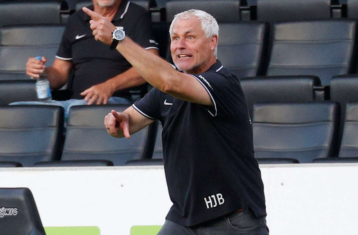Gibt keine Kommandos mehr bei der SG Sonnenhof Großaspach: Trainer Hans-Jürgen Boysen. Foto: Baumann